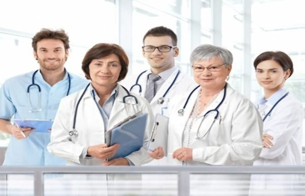 list of medical specialists and what they do